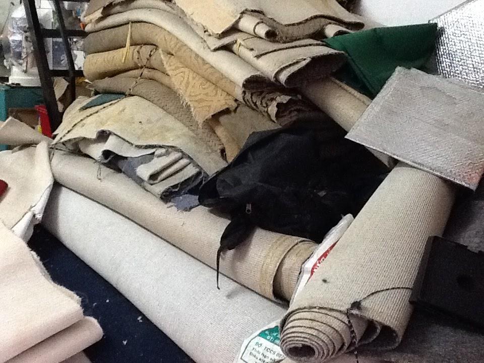 Thảm trải sàn cũ