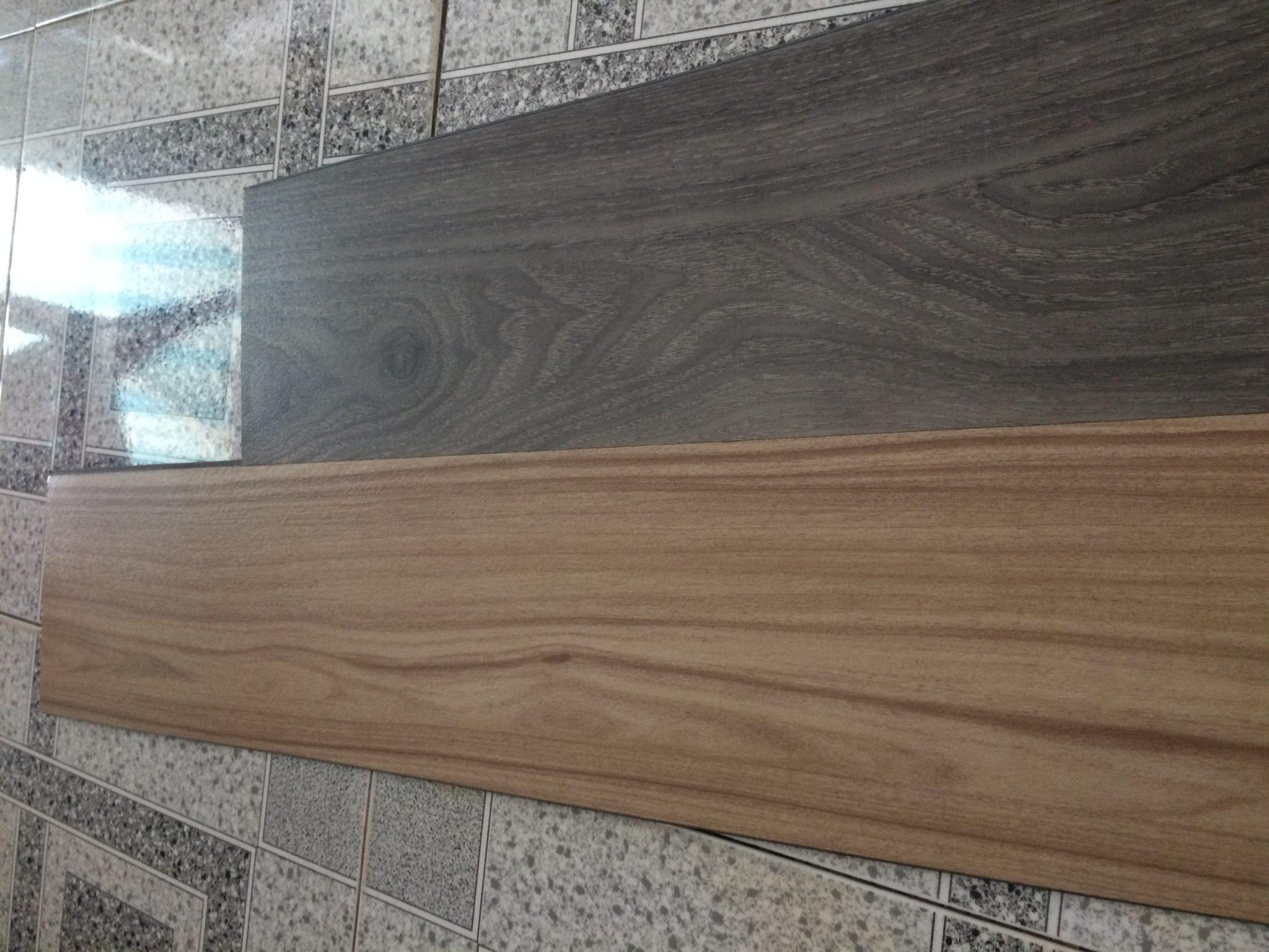 sàn nhựa hèm khóa vân gỗ
